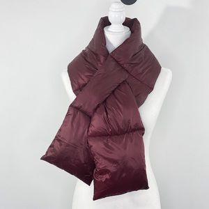 NWT Puffer & fleece scarf burgundy
